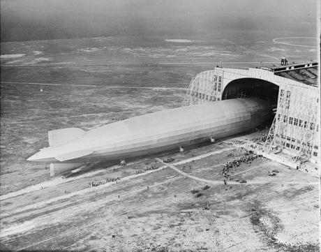 Graf zeppelin hangar | Omhoog | Tijdschrift Terras